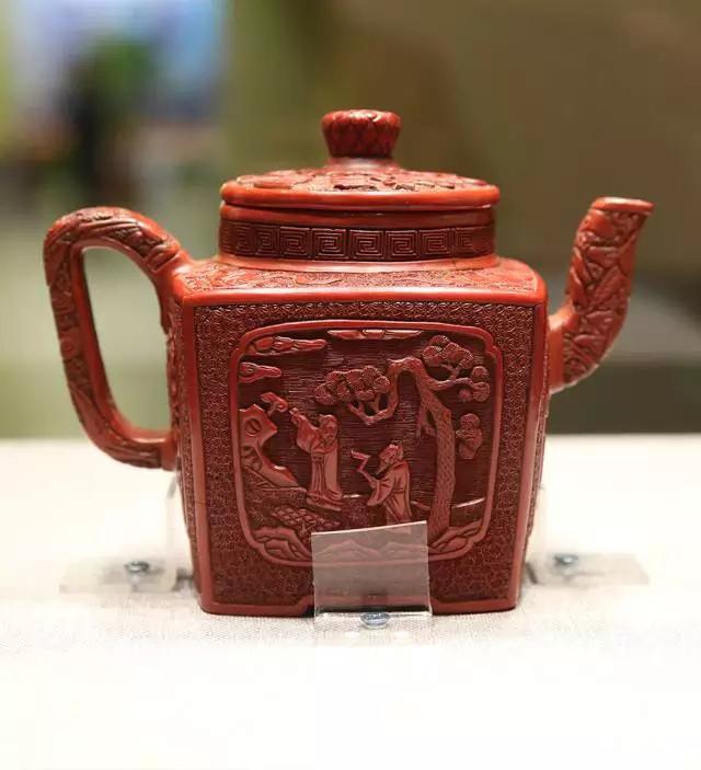 中国紫砂茗壶珍赏第12期——雕漆四方执壶