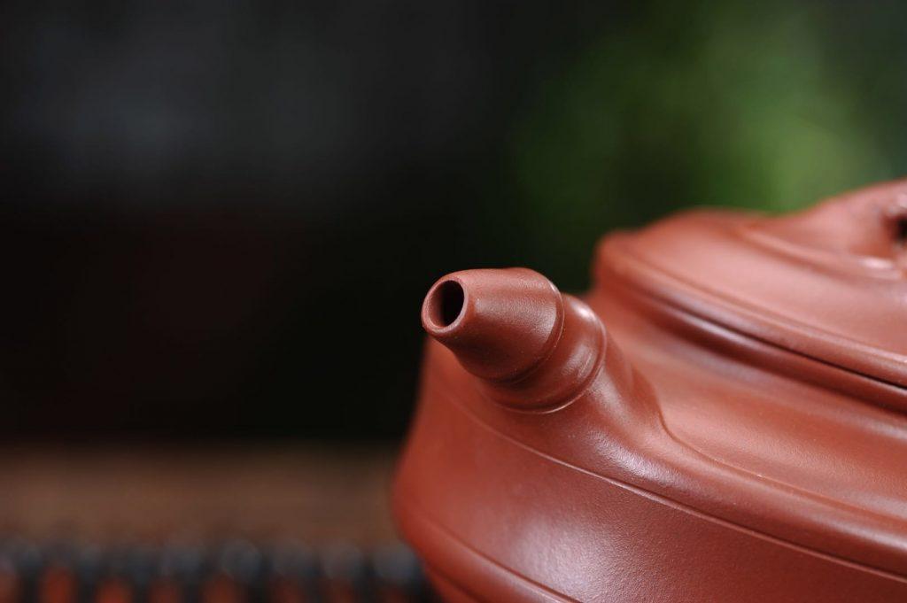 紫砂臻品 ‖ 周春亚 —— 《双线竹鼓壶》